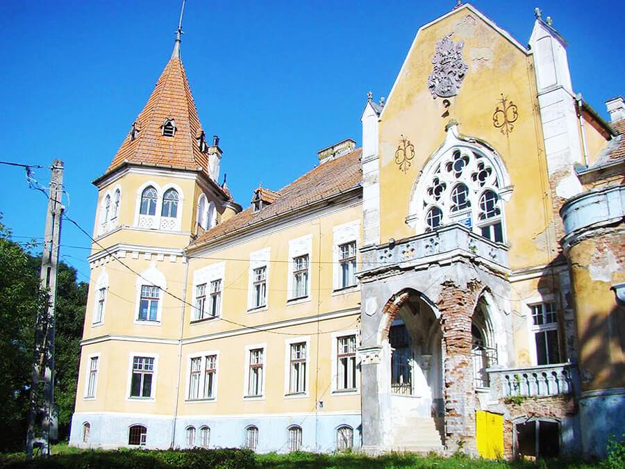 Castelul Ugron Romania