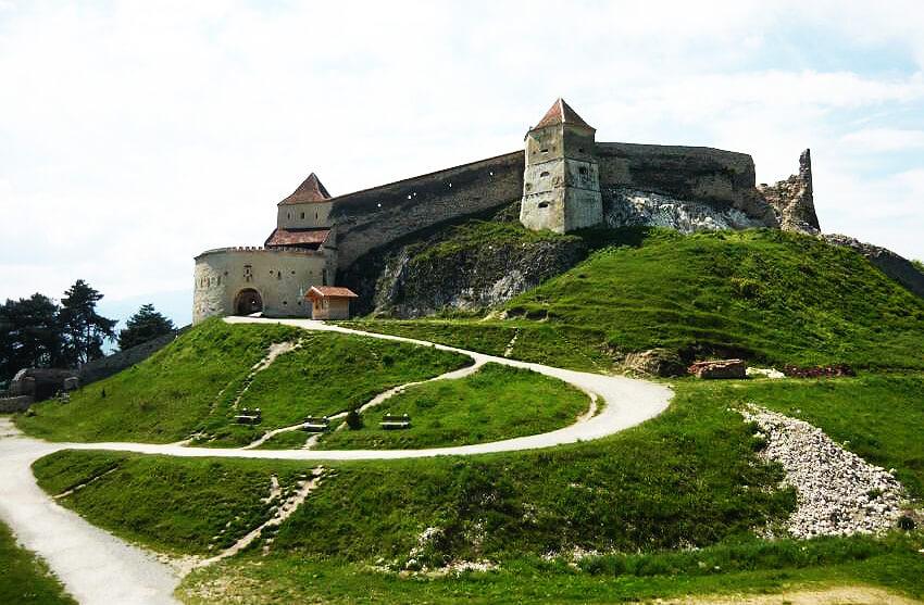 cetatea medievala rasnov brasov