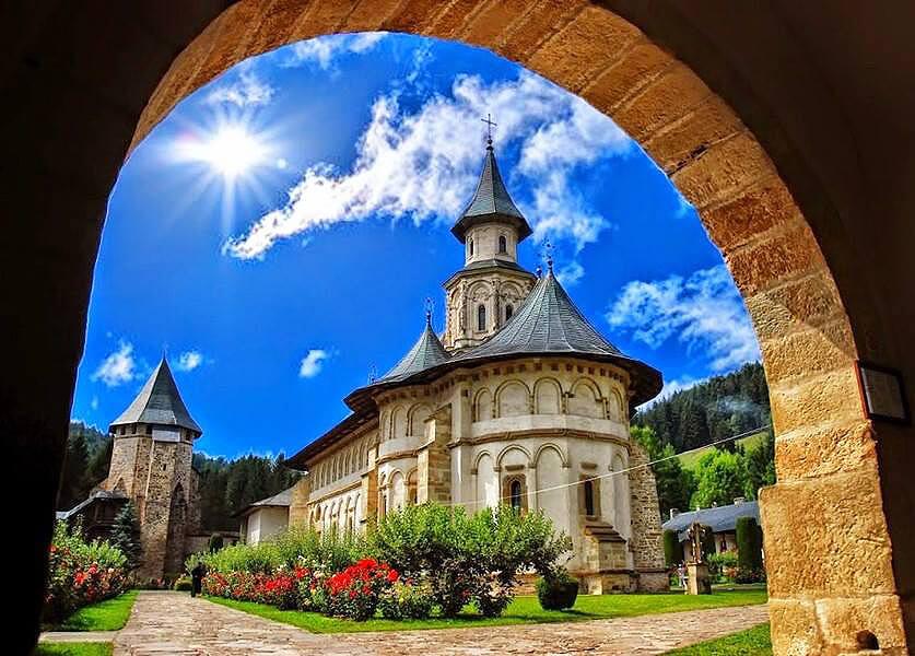 manastirea putna romania