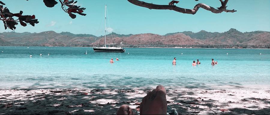 gili asahan lombok indonesia beach