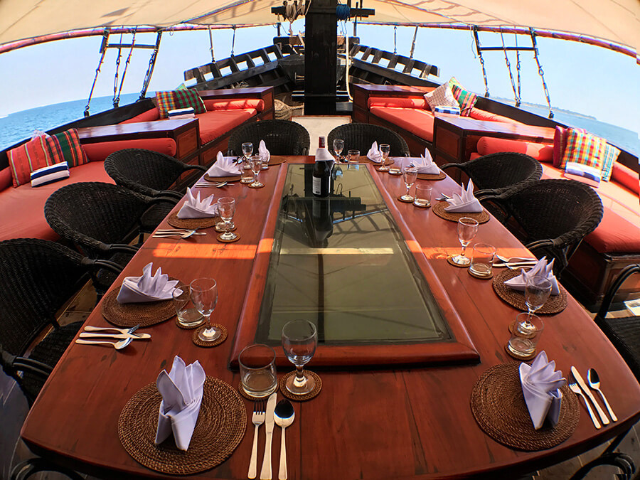 dinner table on pirate ship al iikai